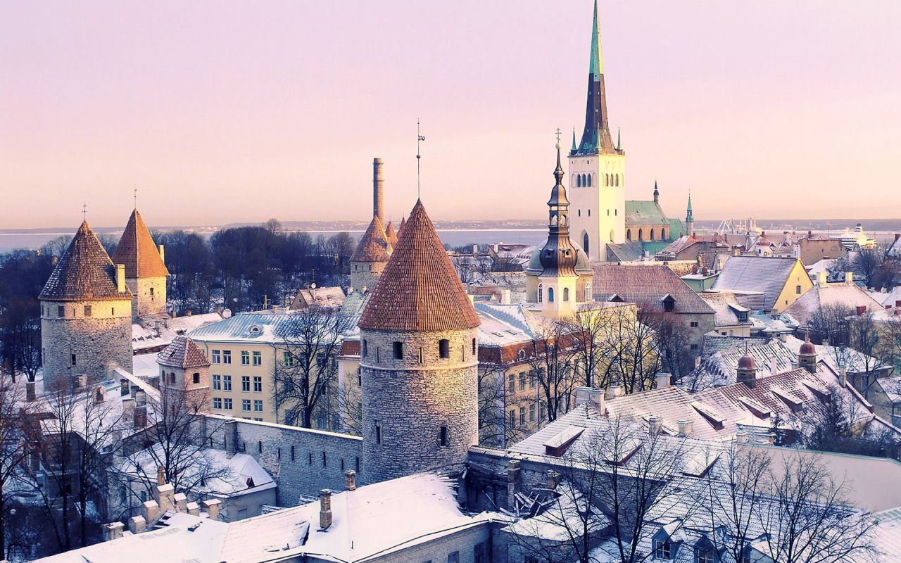 tallinn-estonia-winter-vacation-1280x800